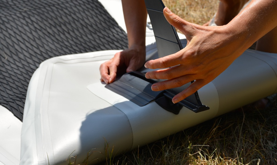attaching the Saturn SUP fin