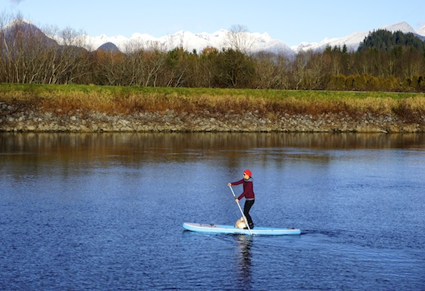 paddling the Wakooda inflatable SUP