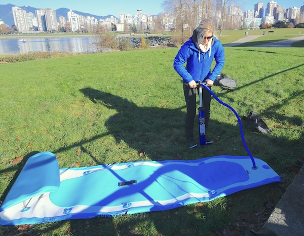 inflating the LA132 inflatable SUP