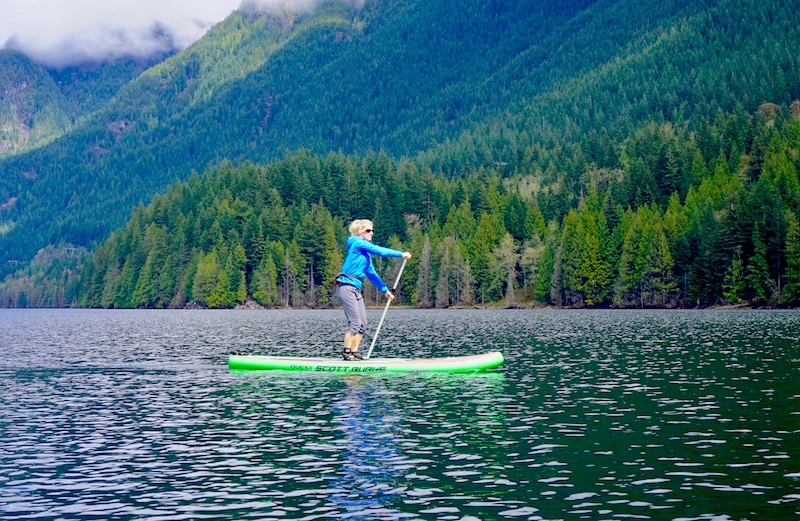 paddling the Scott Burke 11' Quest inflatable paddle board