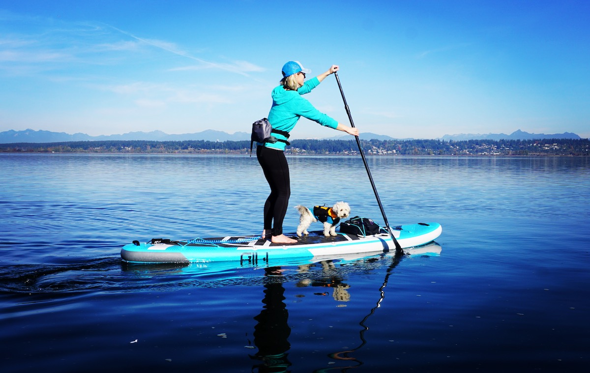a5fa5208811f paddling the Gili 11' Adventure inflatable stand up paddle board